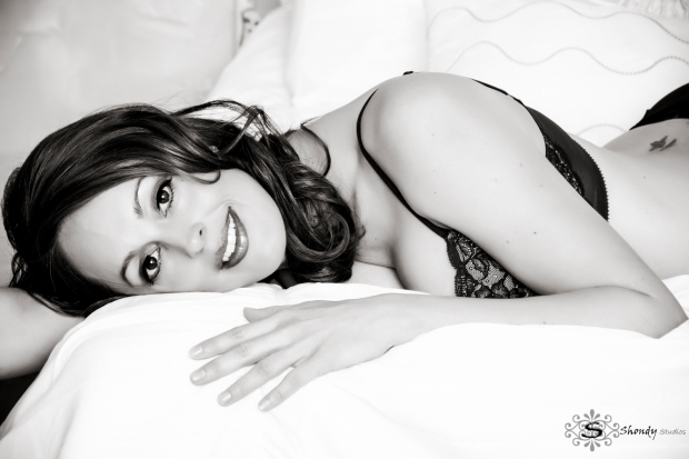 boudoir, photography, omaha, ne, shondy studios, sexy photos, intimate photography, bridal, gifts for grooms, omaha boudoir, omaha sexy photos