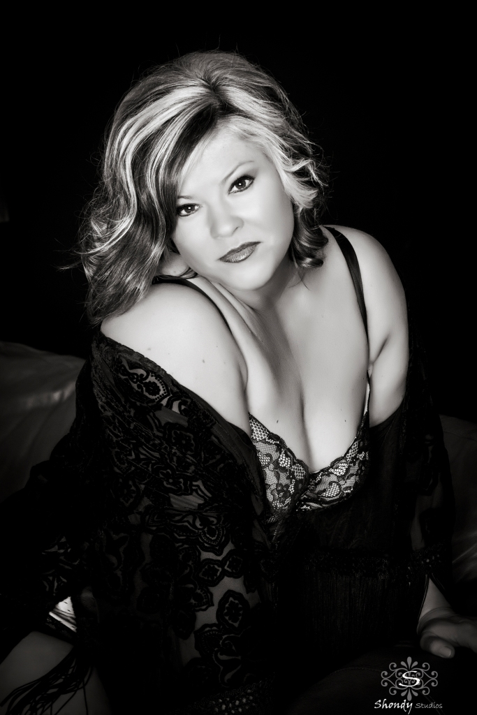 boudoir, photography, omaha, ne, shondy studios, sexy photos, intimate photography, bridal, gifts for grooms, omaha boudoir, omaha sexy photos, intimate