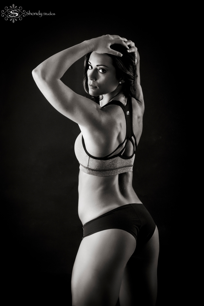 fitness, glamour, boudoir, photography, omaha, ne, shondy studios, sexy photos, intimate photography, bridal, gifts for grooms, omaha boudoir, omaha sexy photos, intimate