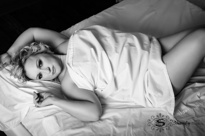 omahaboudoirphotographers, boudoir, photography, omaha, ne, shondy studios, sexy photos, intimate photography, bridal, gifts for grooms, omaha boudoir, omaha sexy photos, intimate,