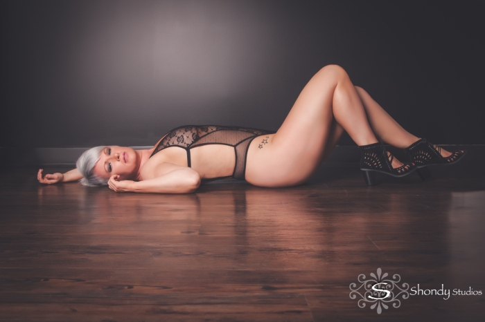 omaha, boudoir, photography, photographer, sexy, intimate, lingerie, gift, wedding gift, women,